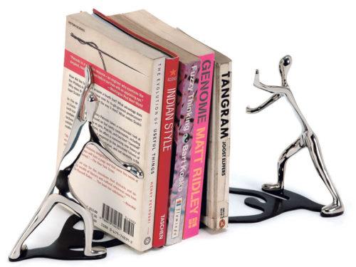 """Raamatuhoidjad """"ID"""" - kingitus Mukul Goyal"""